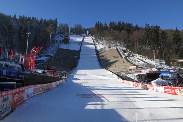 Źródło: skijumping.pl; Dla drużyny szczęśliwa, dla każdego z osobna pechowa – skocznia w Willingen.
