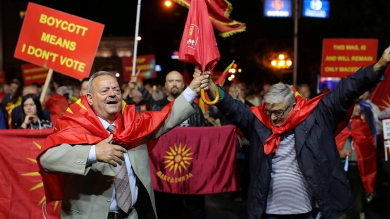 Źródło: https://www.aljazeera.com/indepth/opinion/failed-macedonian-referendum-181001185416308.html