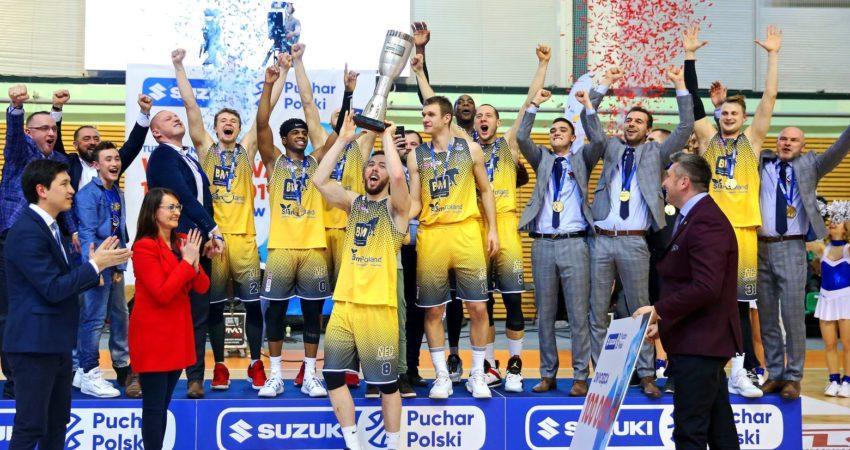 Stal Ostrów Wielkopolski - zdobywcy Pucharu Polski 2019. (źródło: www.pzkosz.pl)