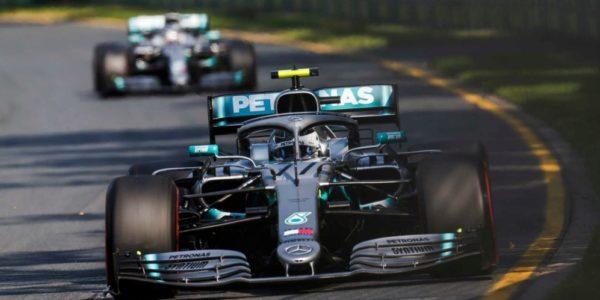 Po świetnym starcie Valtteri Bottas wyszedł na prowadzenie, którego nie oddał już do mety. (źródło: formula1.com)