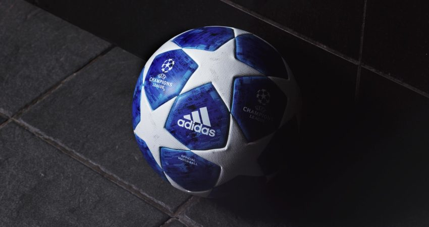 Coraz częściej zamiast hymnu Ligi Mistrzów słyszymy gwizdy i buczenie. (źródło: soccerbible.com)